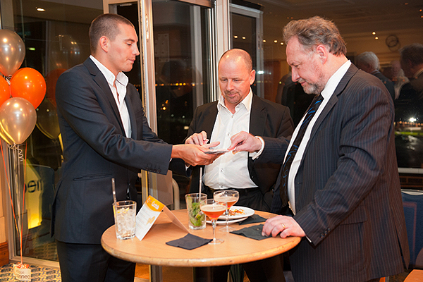 corporate-magician-surrey-matt-parro-1