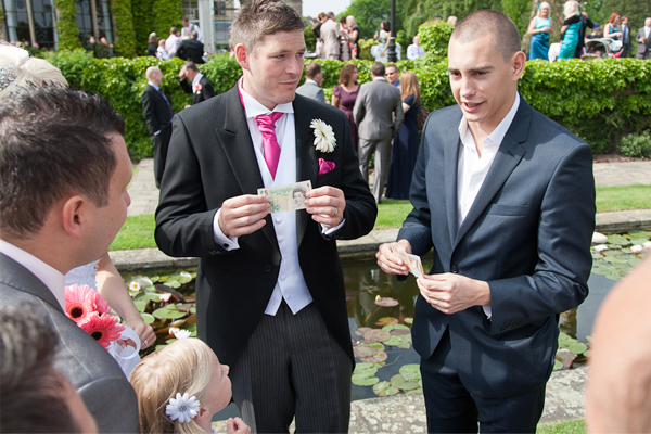 surrey-wedding-magician-matt-parro-3