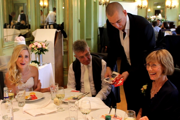 arundel-wedding-magician